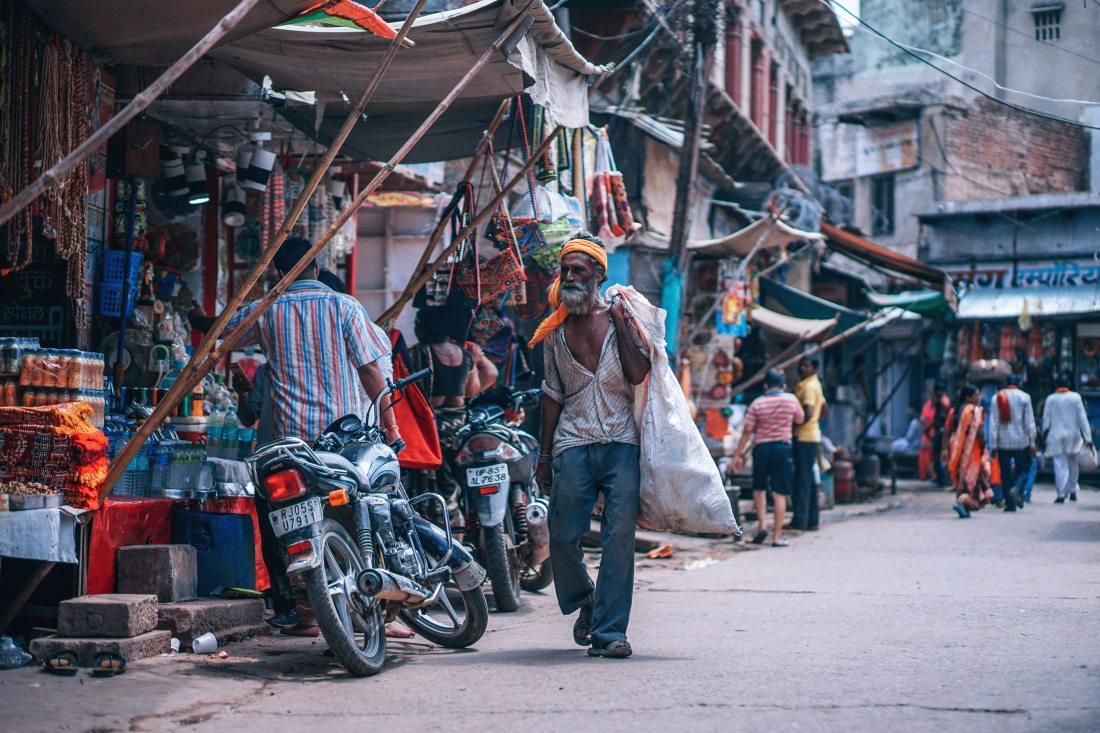 carry-homeless-india-761144.jpg